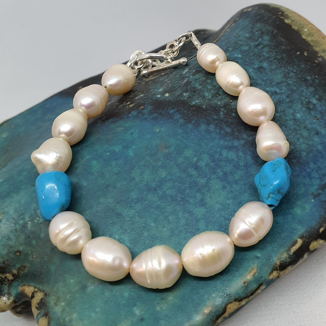 Fresh water pearls and tumbled turquoise bracelet image 0
