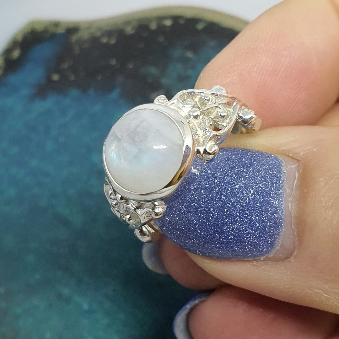 Sterling silver moonstone gemstone ring image 2
