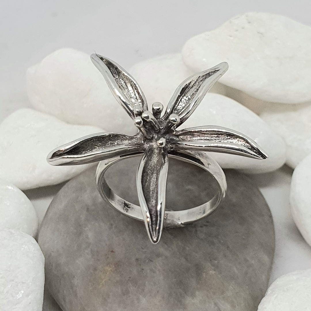 Sterling silver spiky flower dress ring image 0