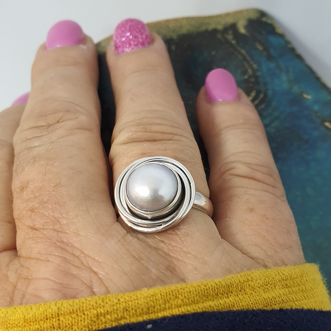 Sterling silver pale grey pearl ring image 1