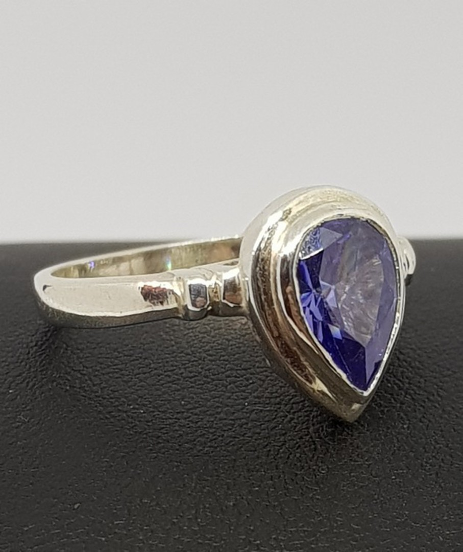Sterling silver synthetic tanzanite ring image 2