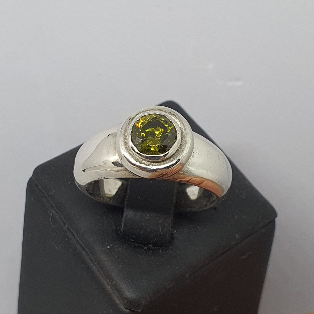 Sterling silver synthetic perdiot ring made in NZ image 2