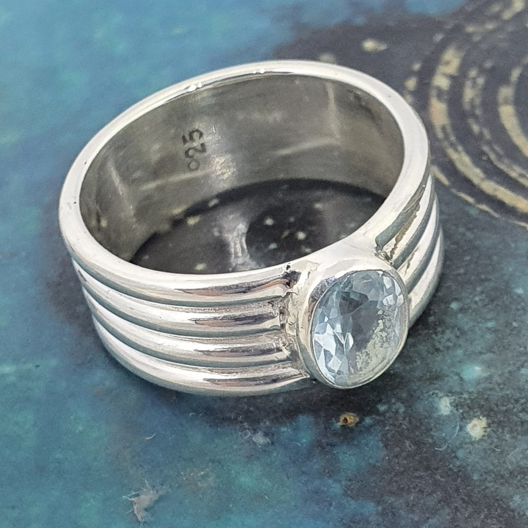 Sterling silver blue topaz ring image 3