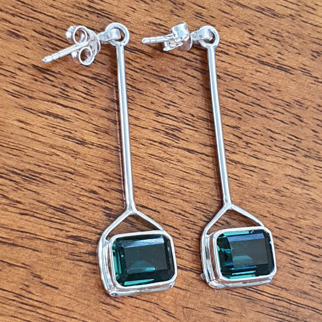 Elegant silver green quartz earrings image 1