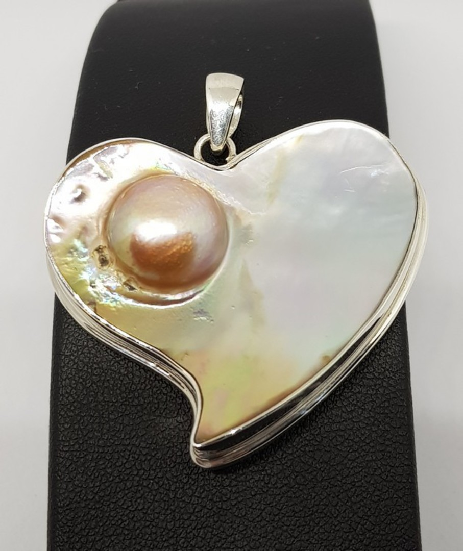 Sterling silver mother of pearl pendant image 0