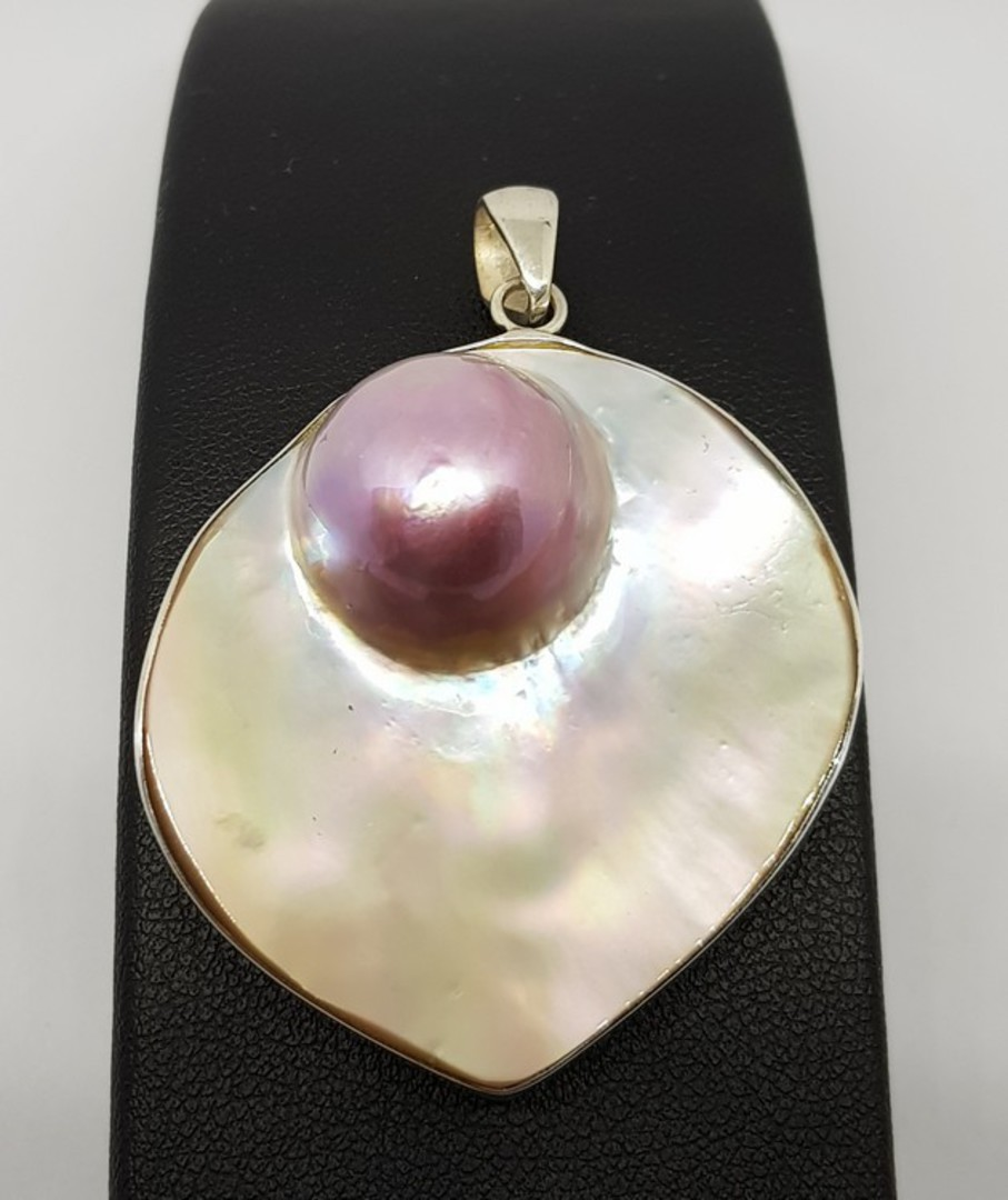 Sterling silver mother of pearl pendant with pink mabe pearl image 0