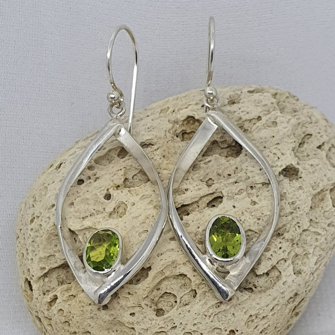 Silver peridot earrings image 0
