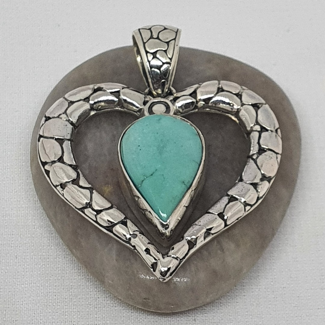 Styerling silver heart pendant with turquopise gemstone image 1
