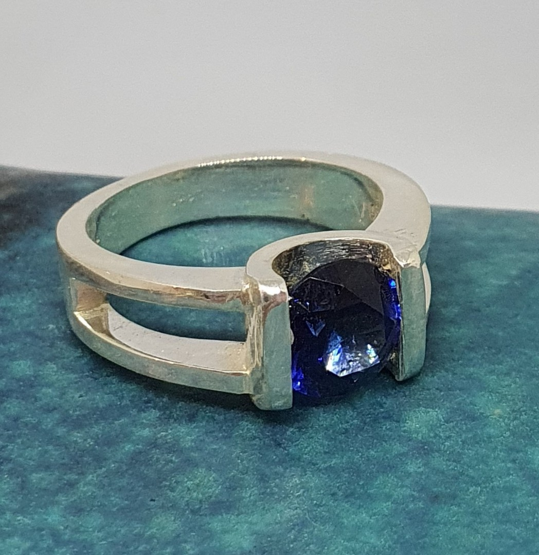 Open sides, sterling silver ring with deep blue gemstone image 2