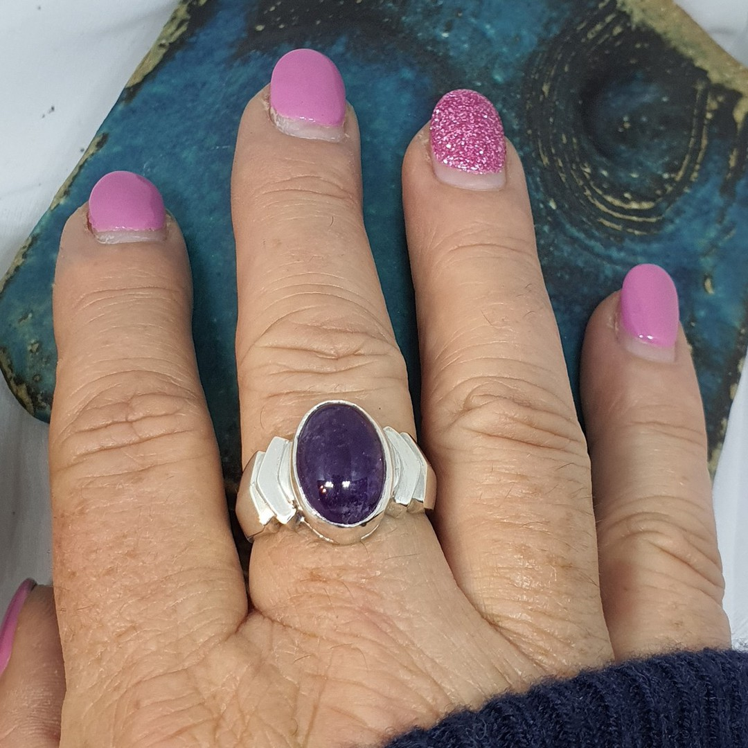 Sterling silver oval amethyst ring, made in NZ image 3
