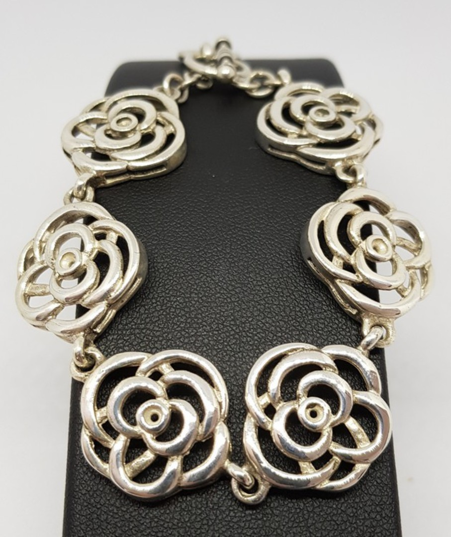 Exquisite, NZ made sterling silver flower bracelet image 4