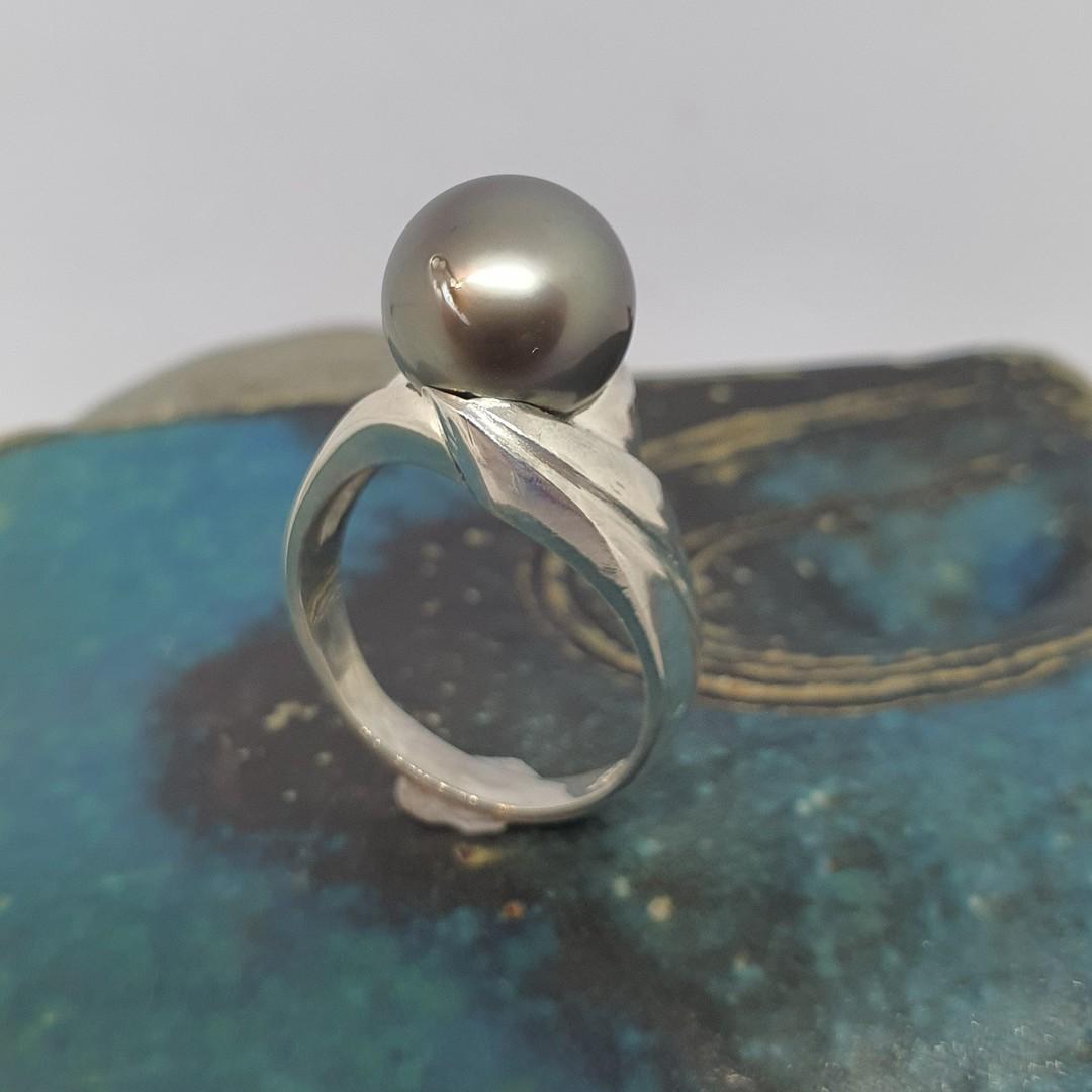 Black Tahitian pearl ring - made in NZ image 1