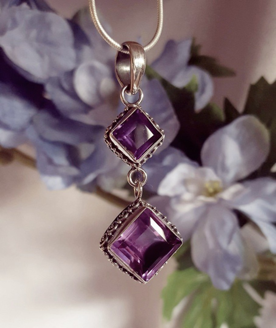 *NEW* silver amethyst pendant with detailed silver frame image 1
