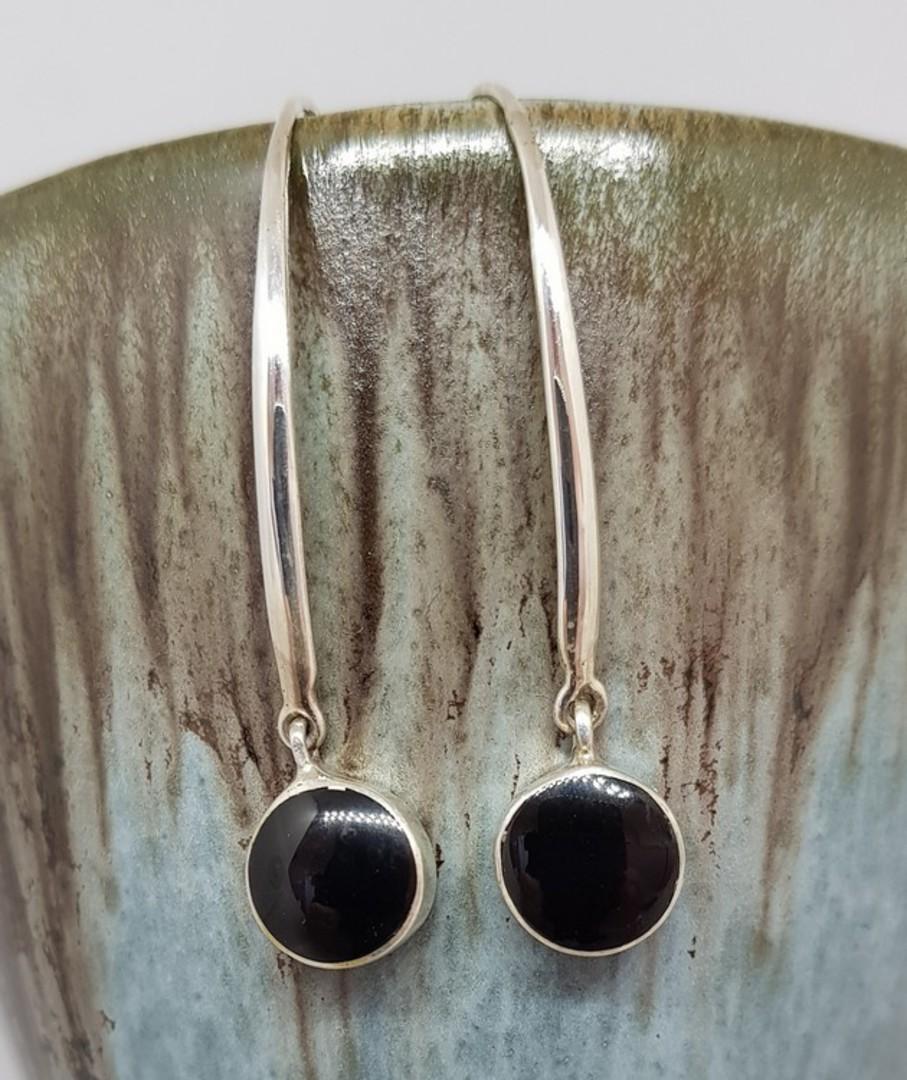 Black shell elegant silver earrings image 0