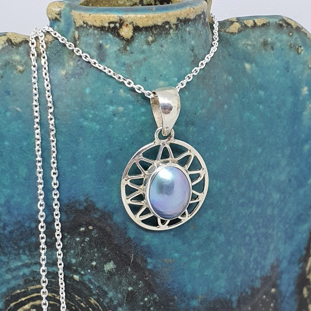 Sterling silver oval grey mabe pearl pendant image 2