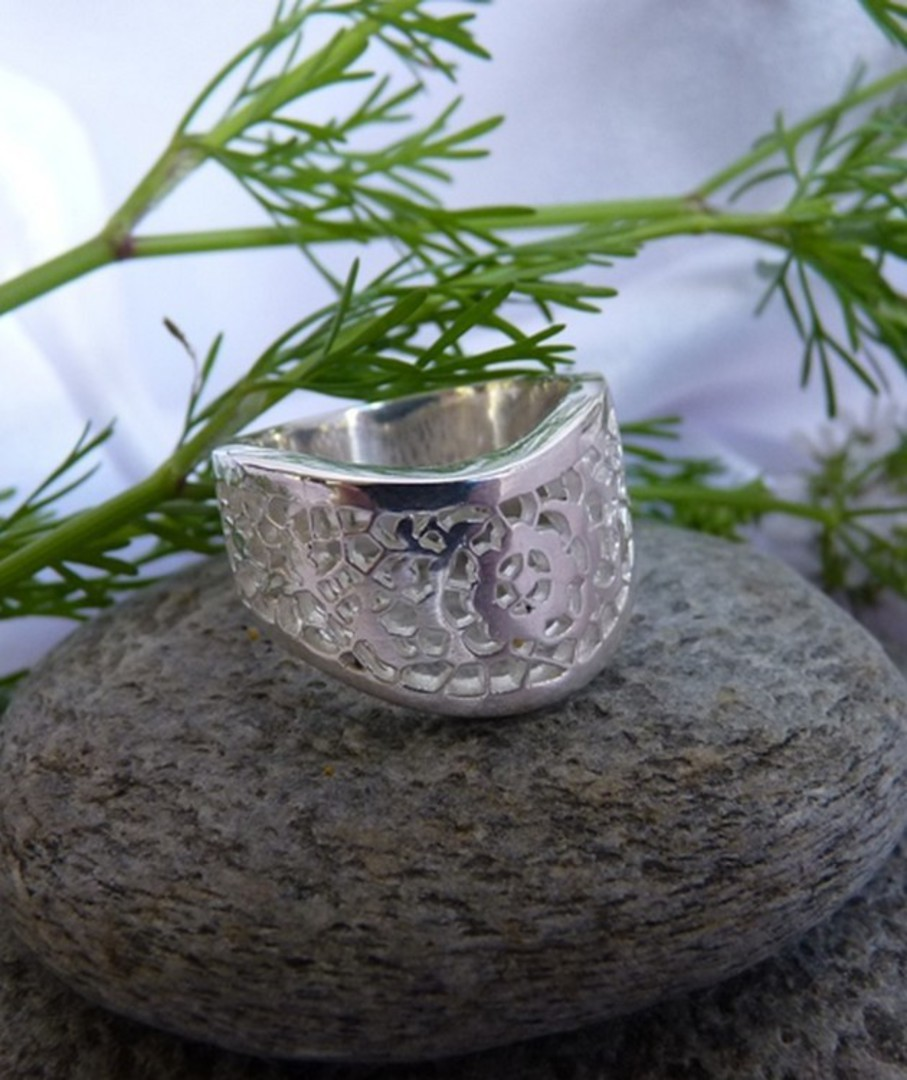 Chunky lace silver ring, made in NZ image 1
