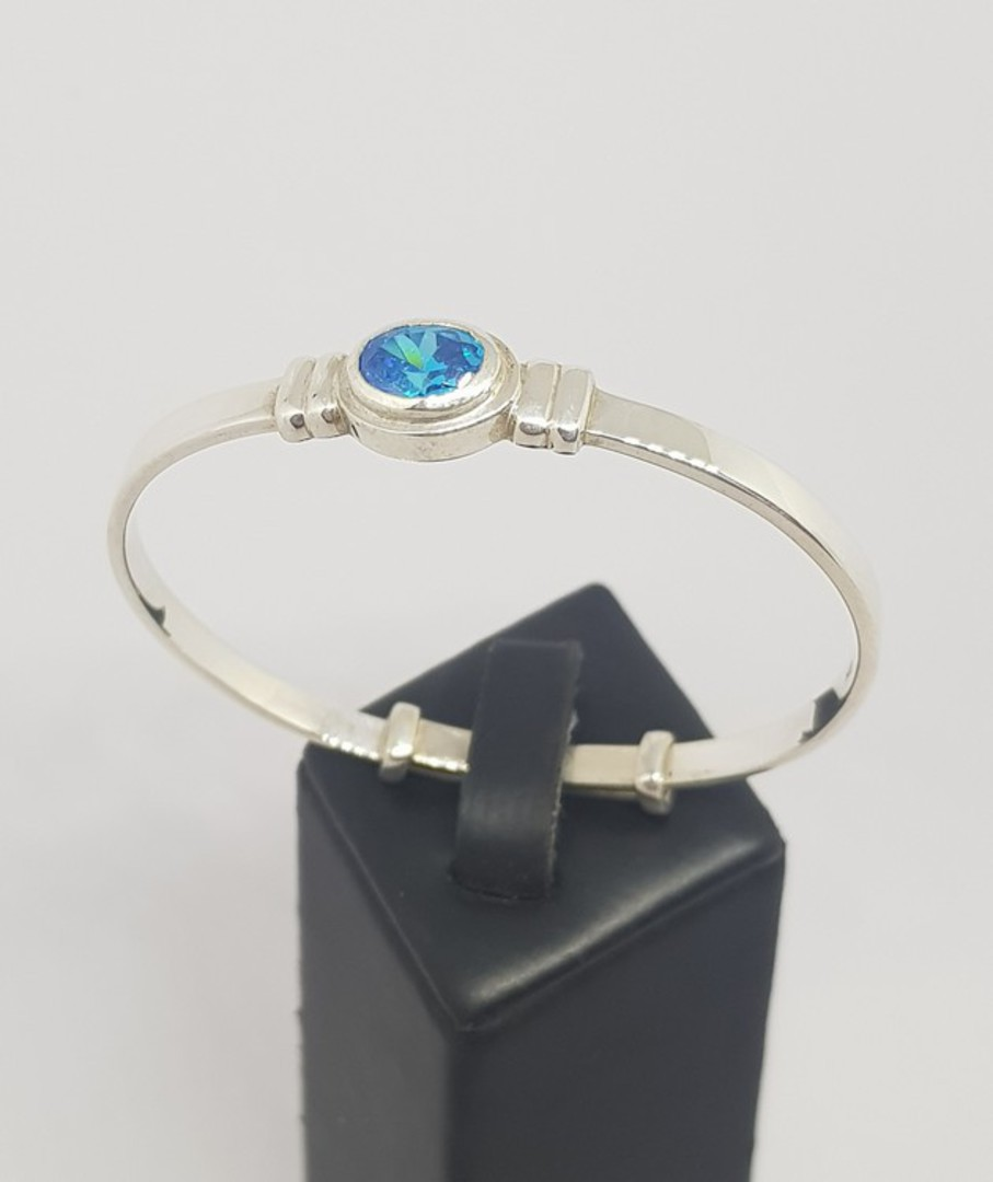 Happy birthday Miss November OR December - Baby birthstone bangle image 0