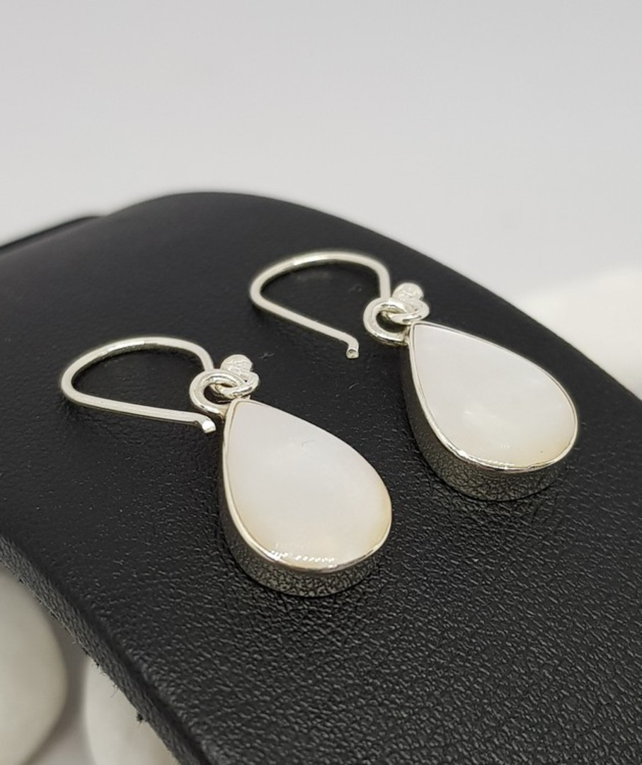 Teardrop mother of pearl earrings image 2