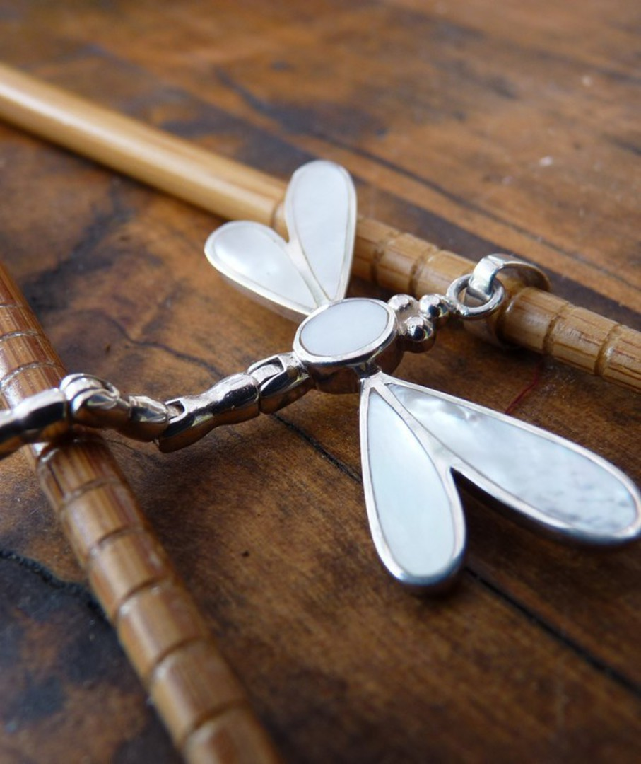 Mother of pearl silver dragonfly pendant image 2