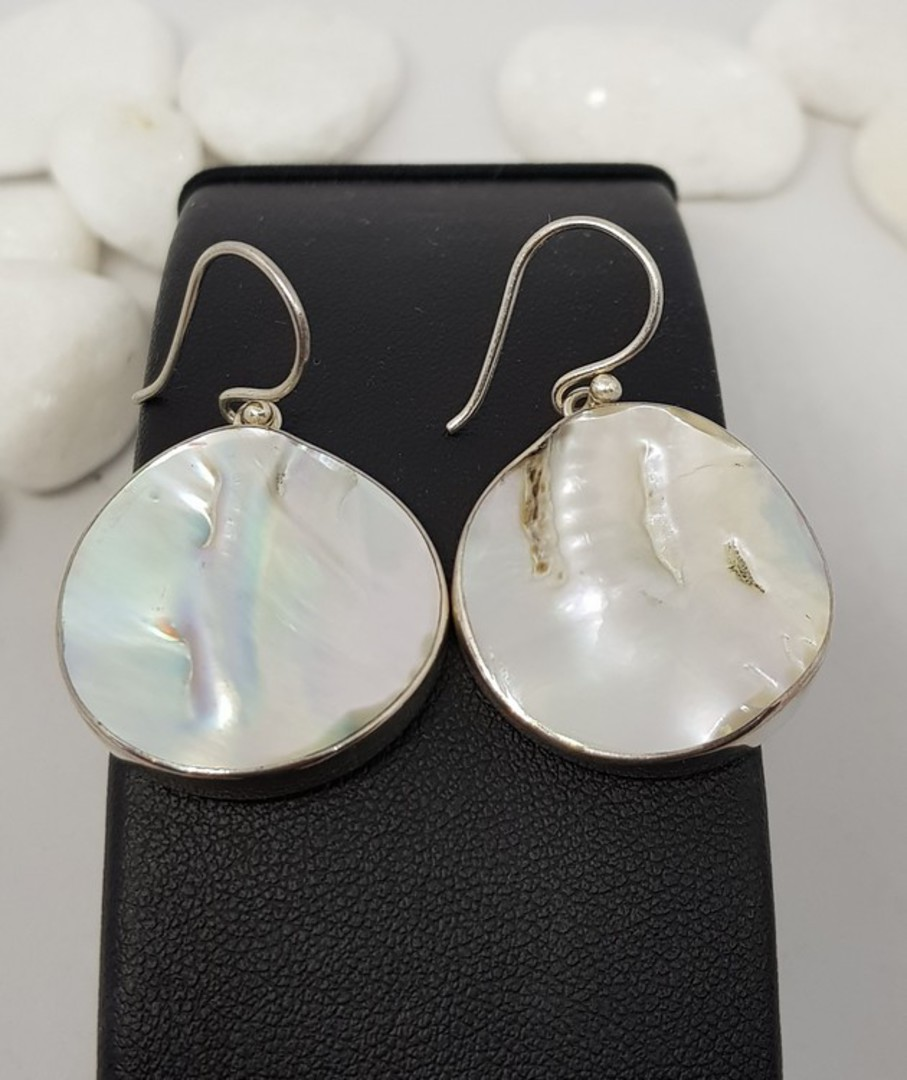Large round mother of pearl earrings image 2