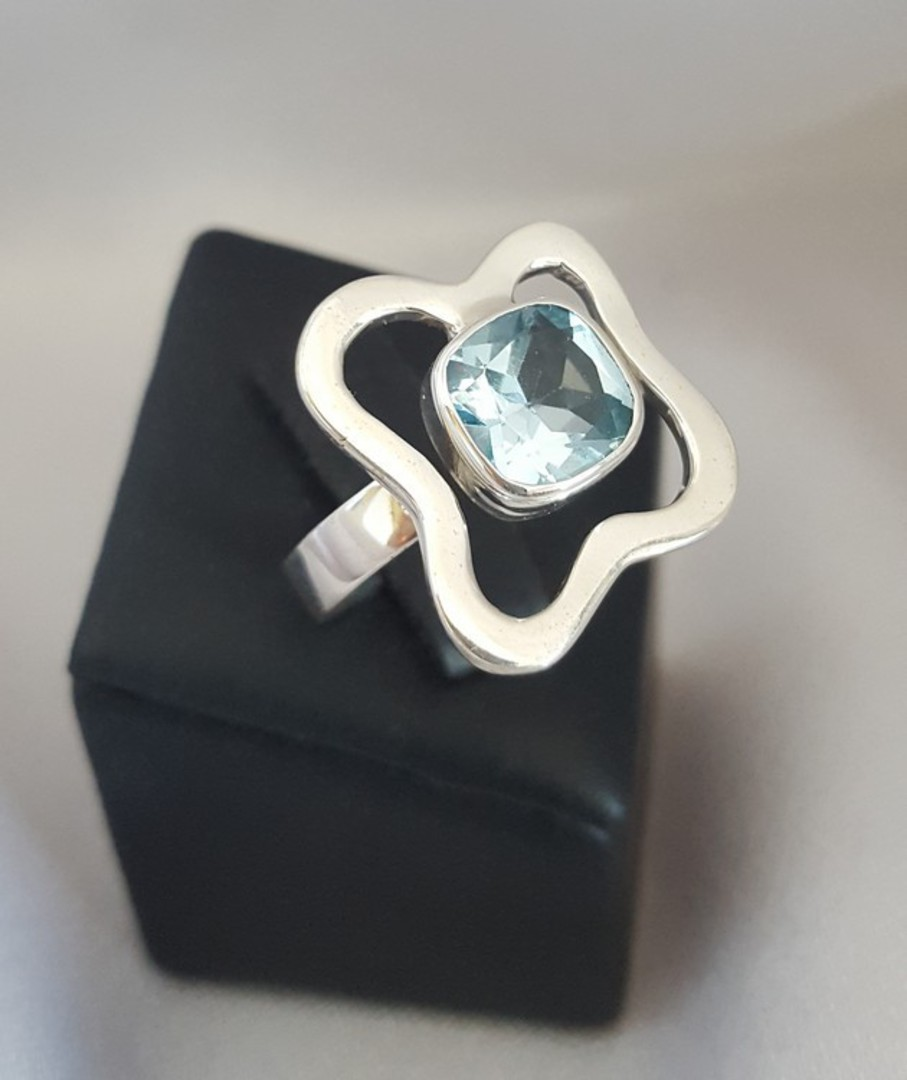 Sterling silver blue topaz ring image 0