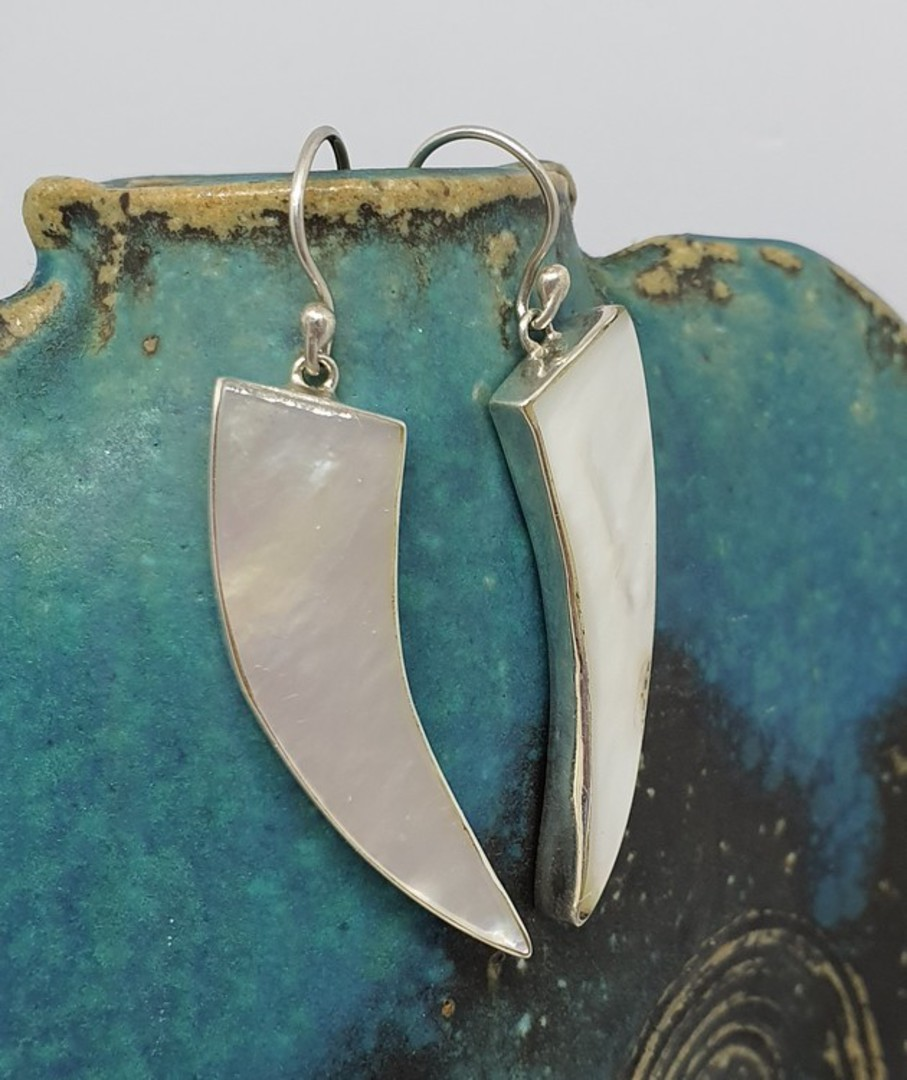 Mother of pearl elongated silver earrings image 1