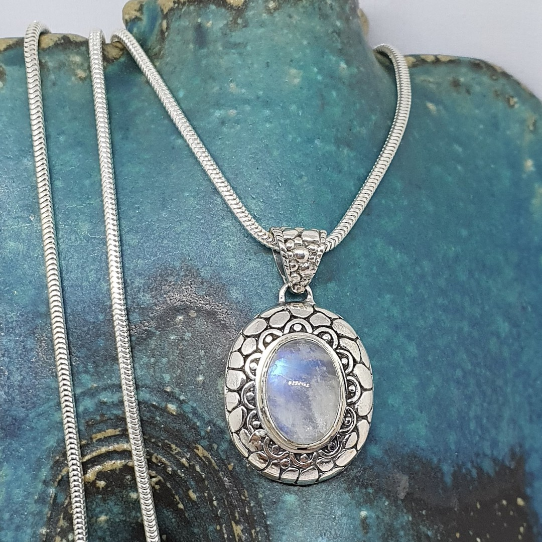 Sterling silver oval moonstone pendant image 3