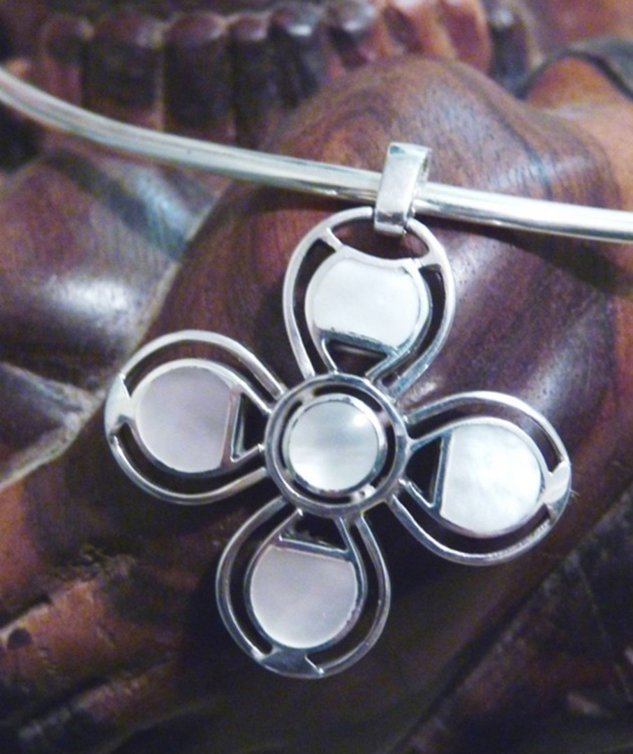 Mother of pearl (white shell) silver pendant image 3