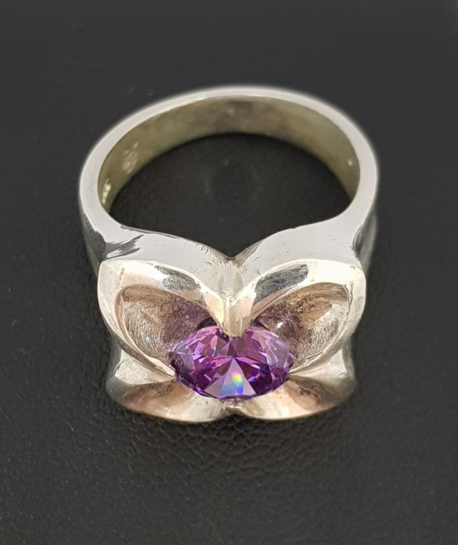 Silver flower ring with sparkling purple stone image 2