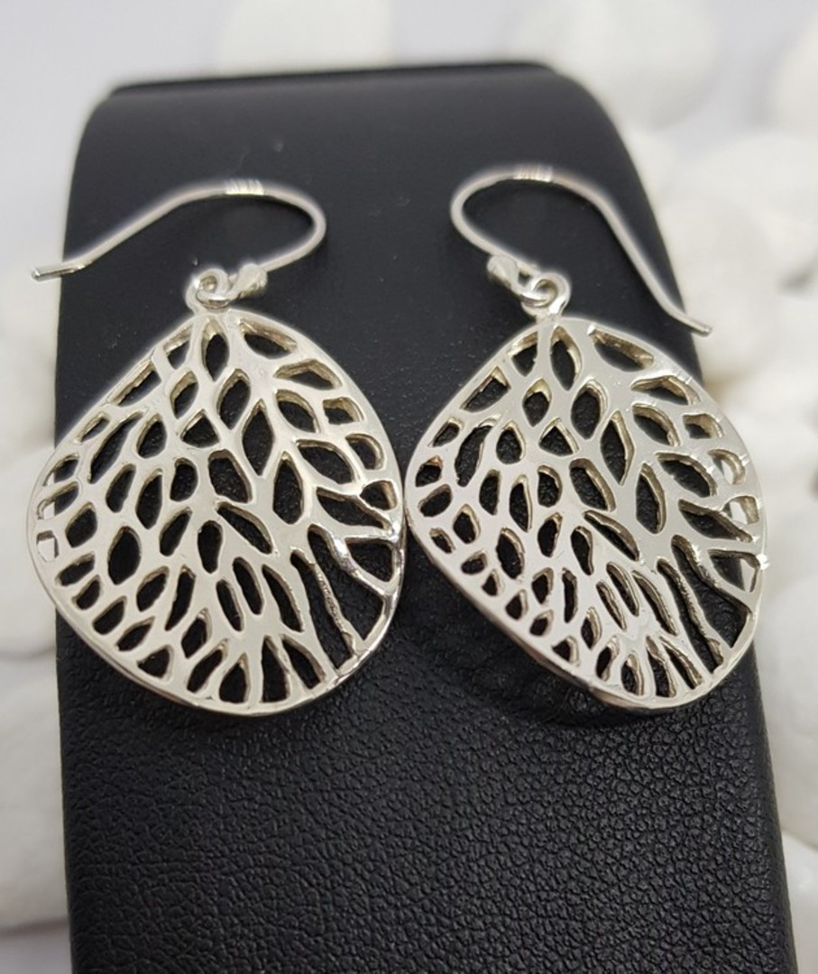 Fun leaf earrings with infinite holes image 0