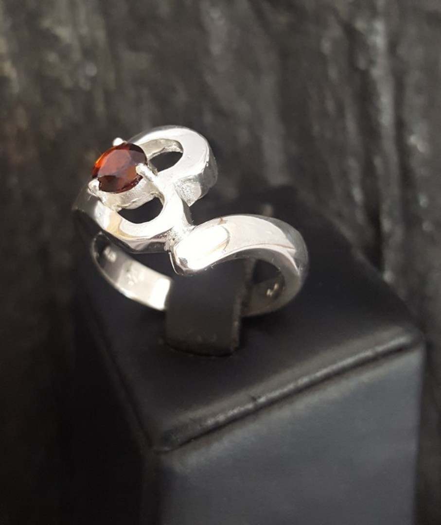 Silver heart ring with garnet gemstone image 6