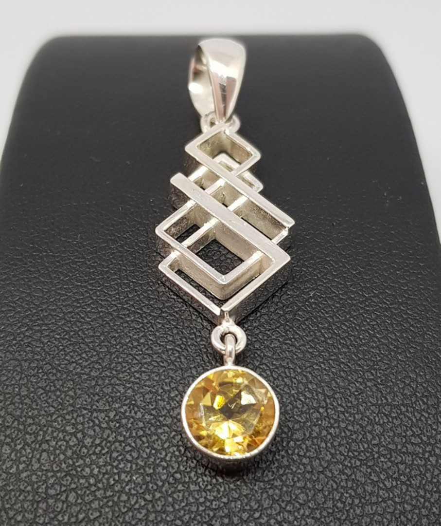 Silver pendant with citrine coloured gemstone image 0