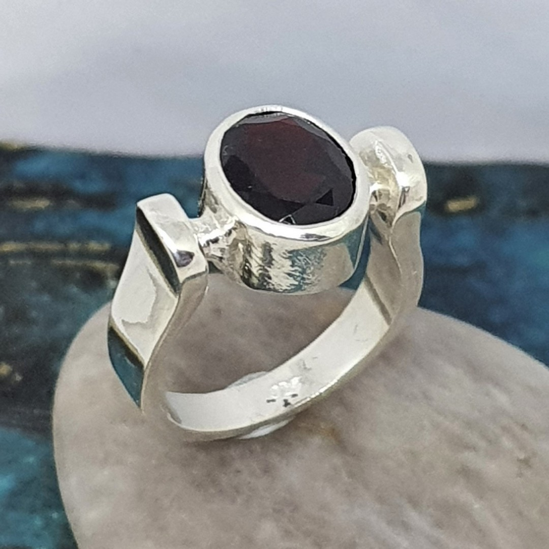 Facet cut garnet ring, sterling silver, made in NZ image 3