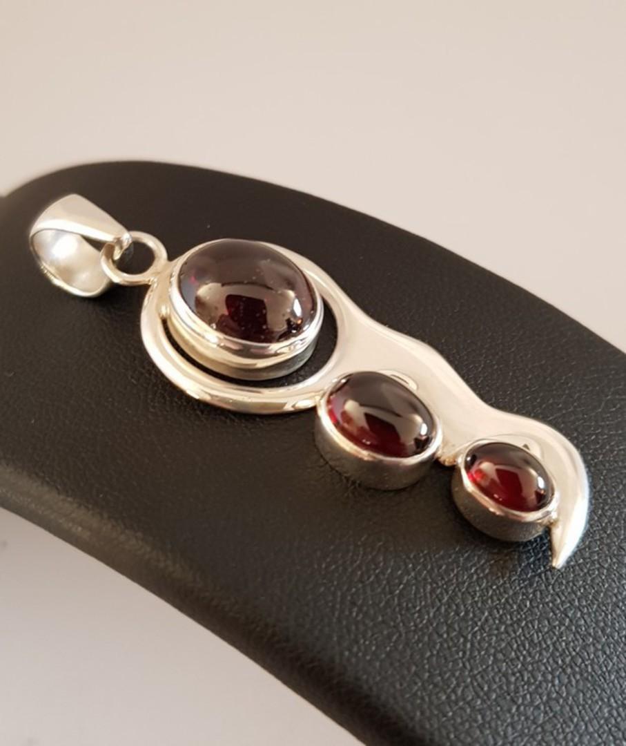 Sterling silver cabochon garnet pendant image 1