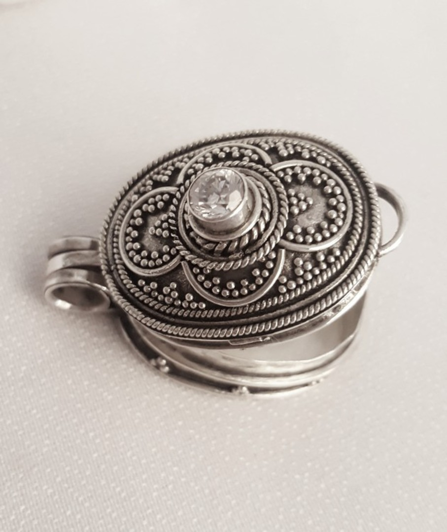 Oval filigree silver prayer or wish box pendant image 3