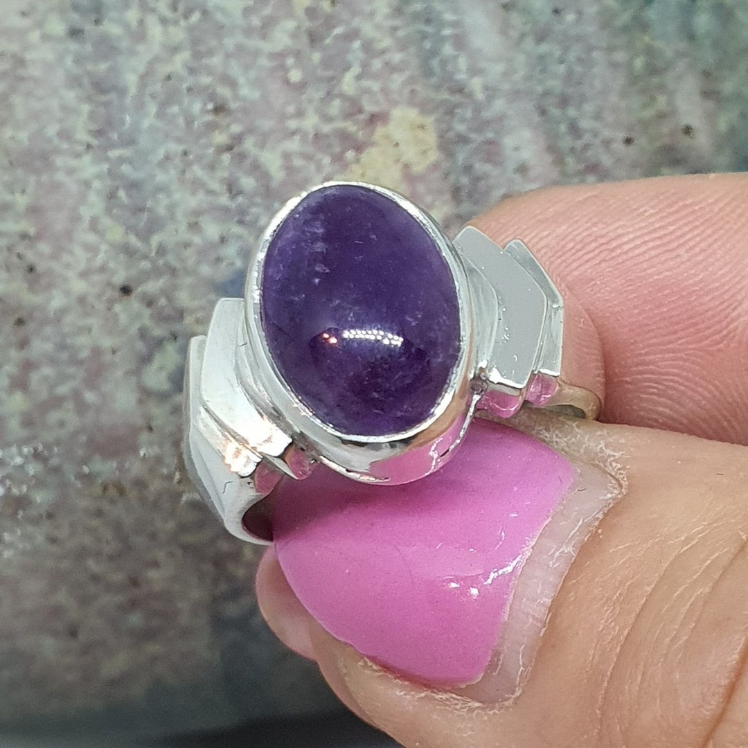 Sterling silver oval amethyst ring, made in NZ image 4