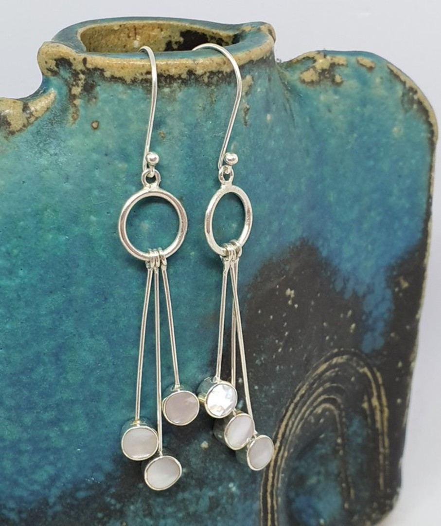 Long mother of pearl silver earrings image 0