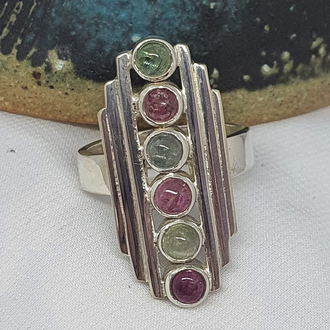 Long rectangle ring with green and red gemstones image 3