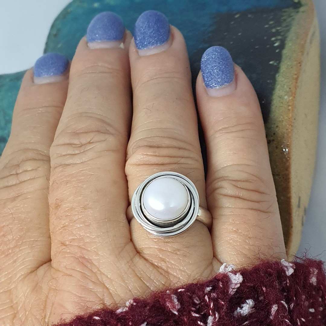 Sterling silver white pearl ring image 2
