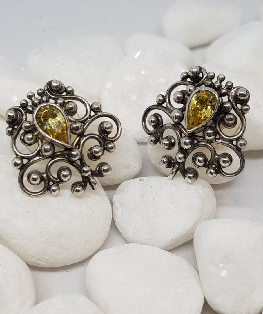 Sterling silver filigree stud earrings image 1