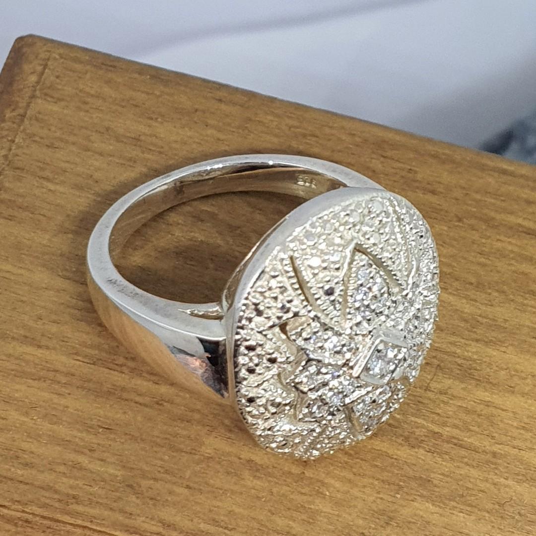 Sparkling cubic zirconia dress ring image 3