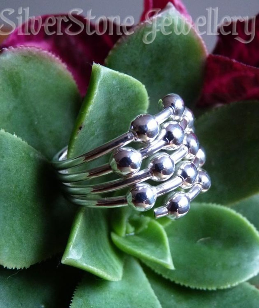 Sterling silver ring with silver spheres image 3