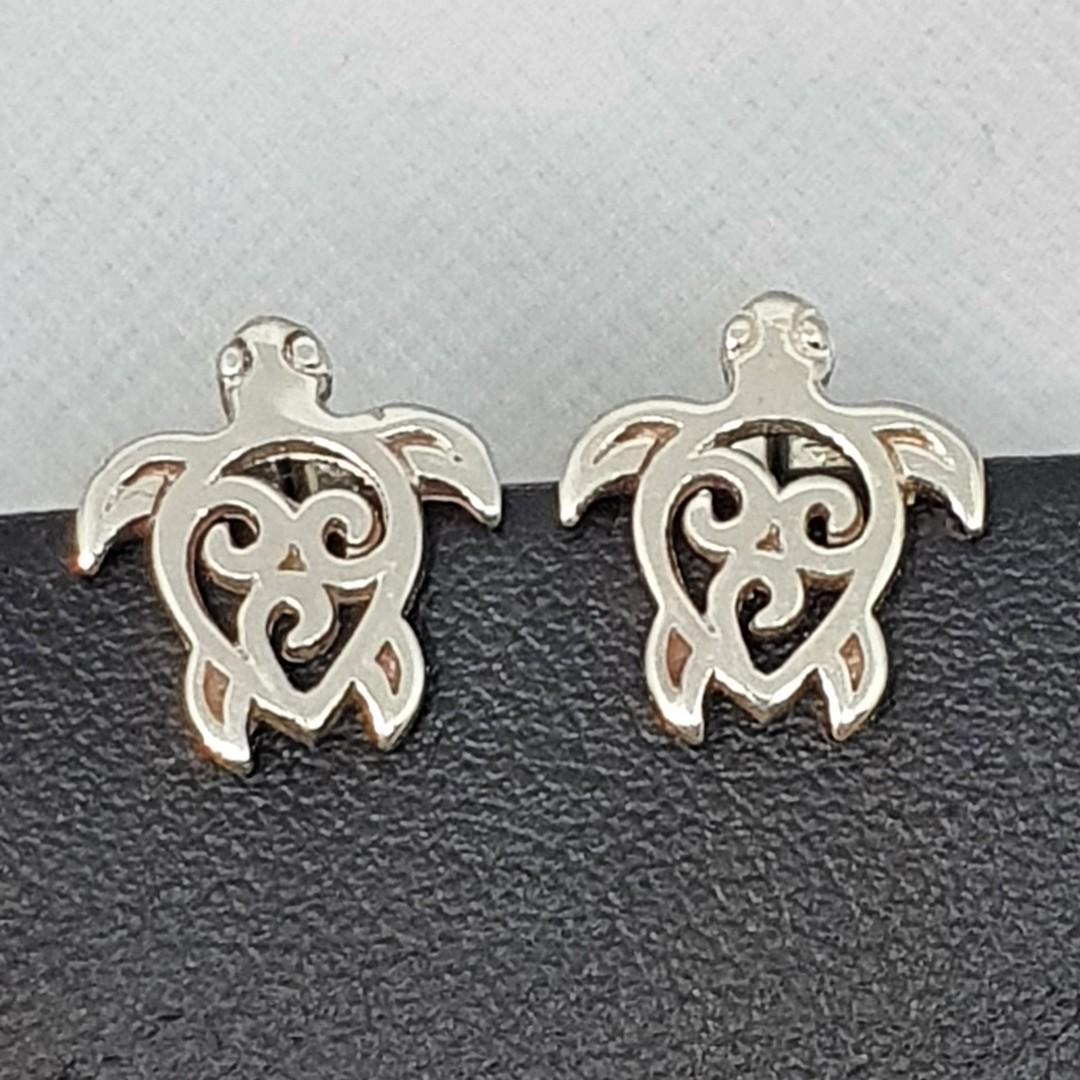 Cute little turtle stud earrings image 1