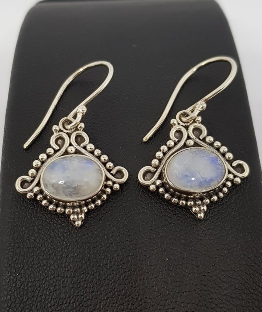 Decorative silver moonstone earrings image 2
