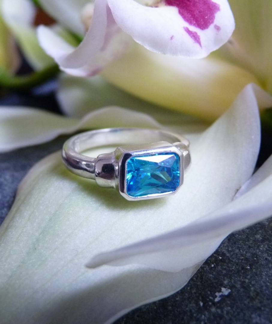 Sterling silver ring with blue topaz rectangle stone image 3