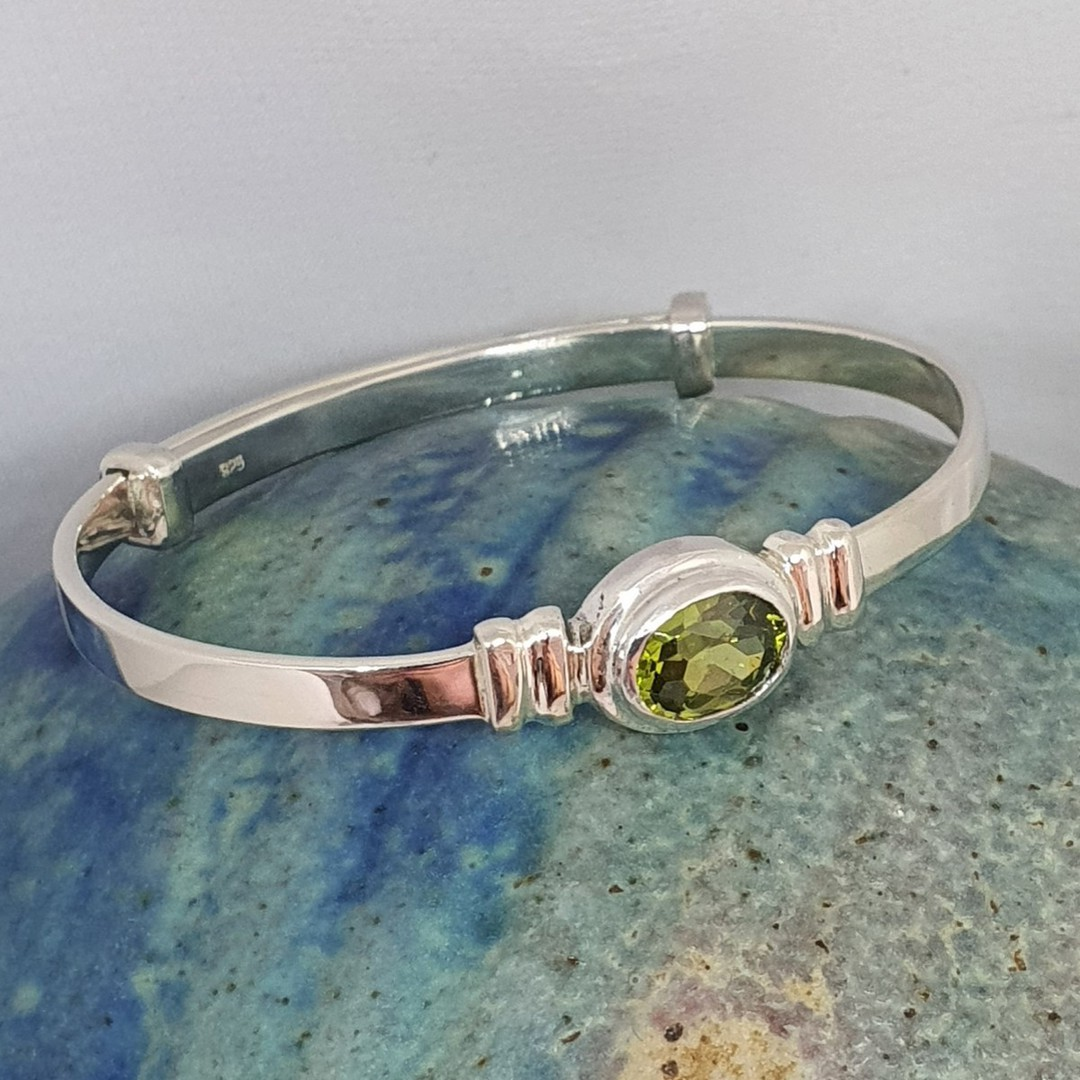 Sterling silver August birthstone baby bangle image 1