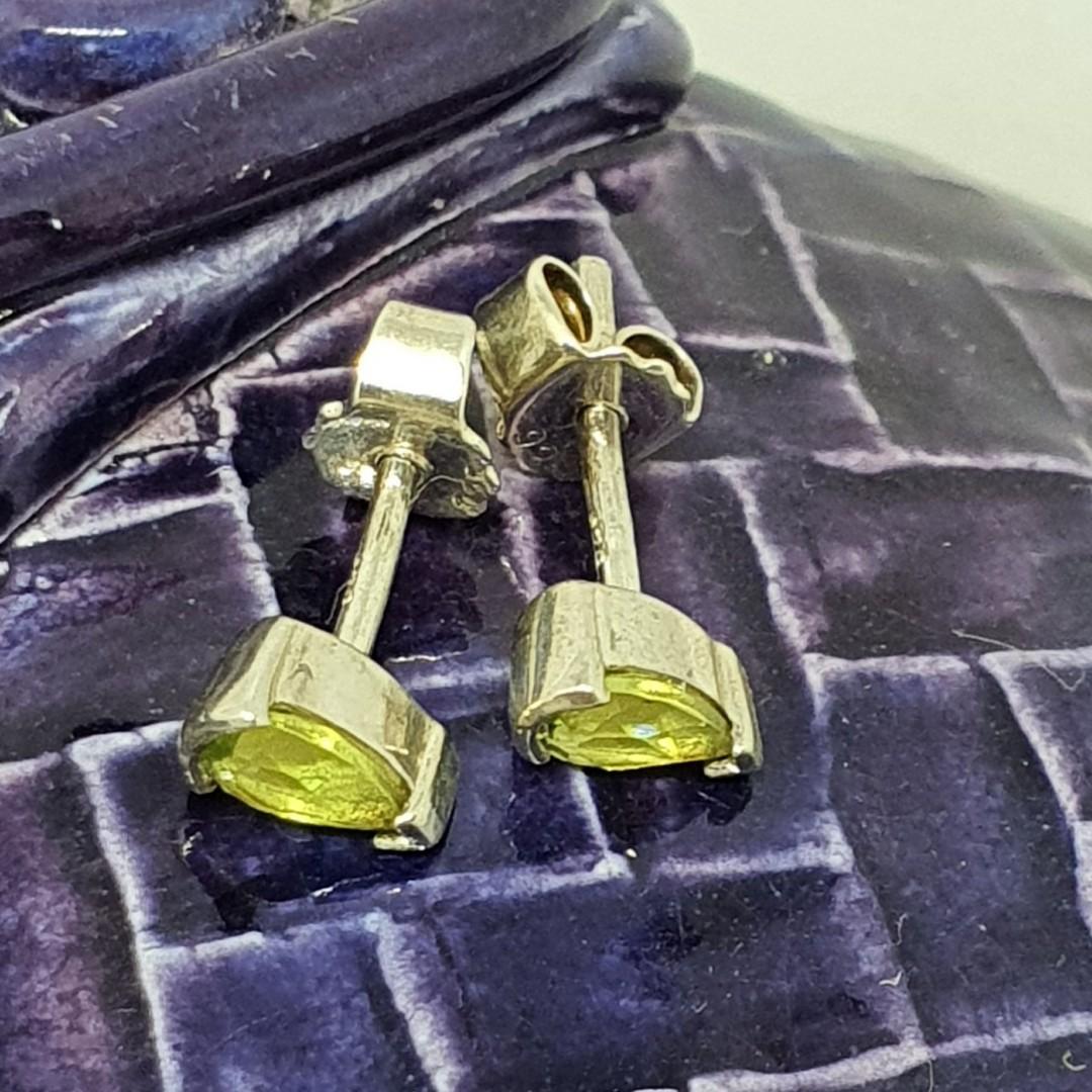 Silver green fluorite stud earrings image 2