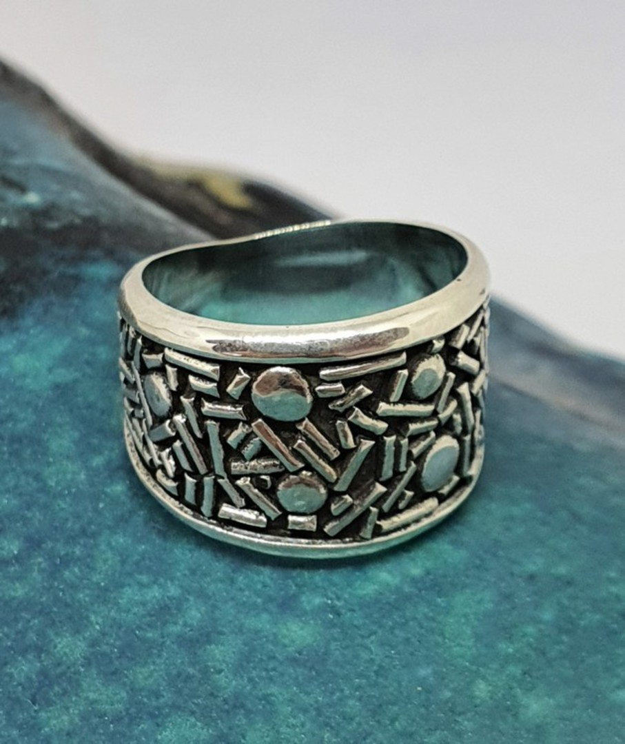 Sterling silver band with cool patterns image 3