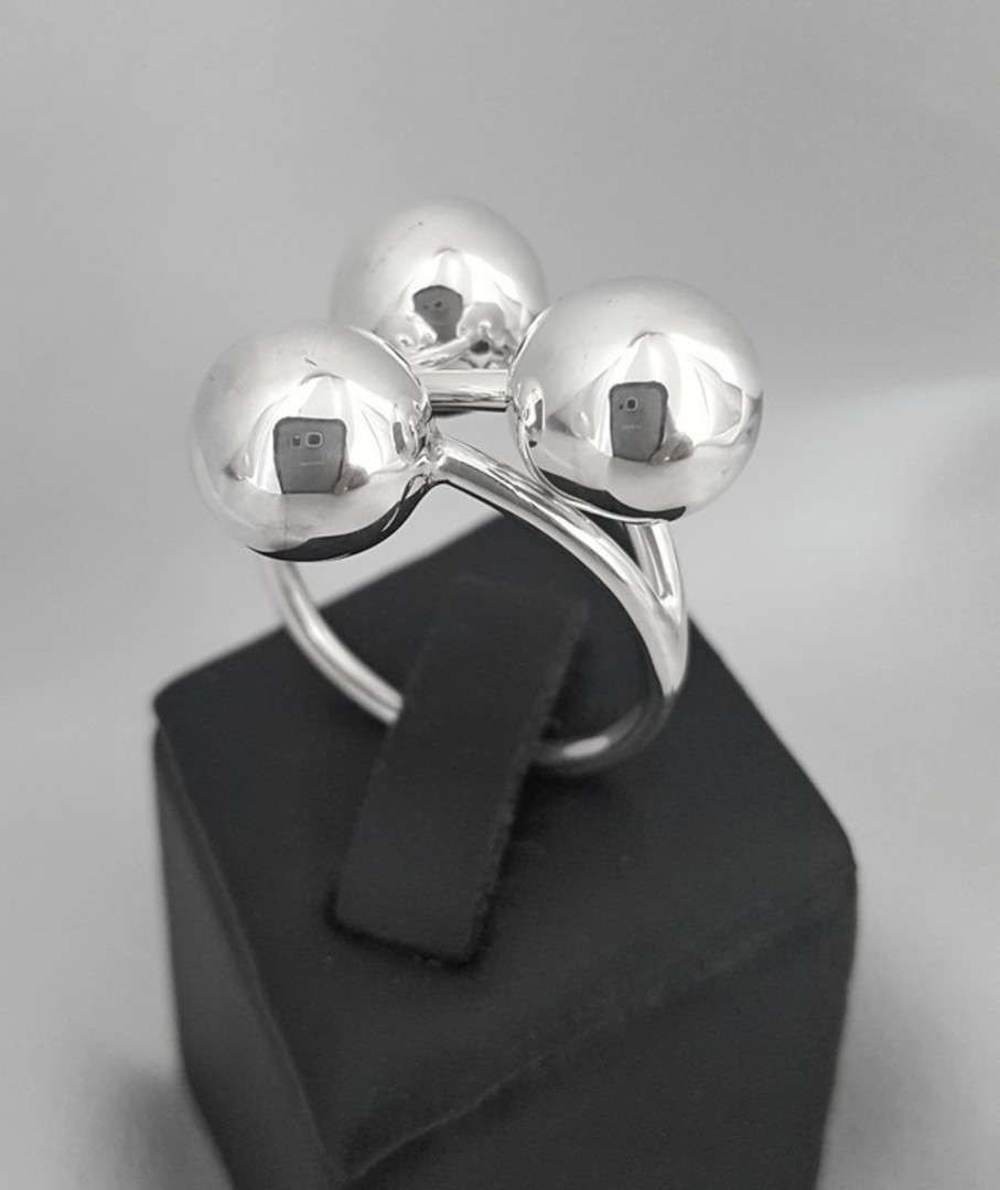 Contemporary silver ball ring image 0