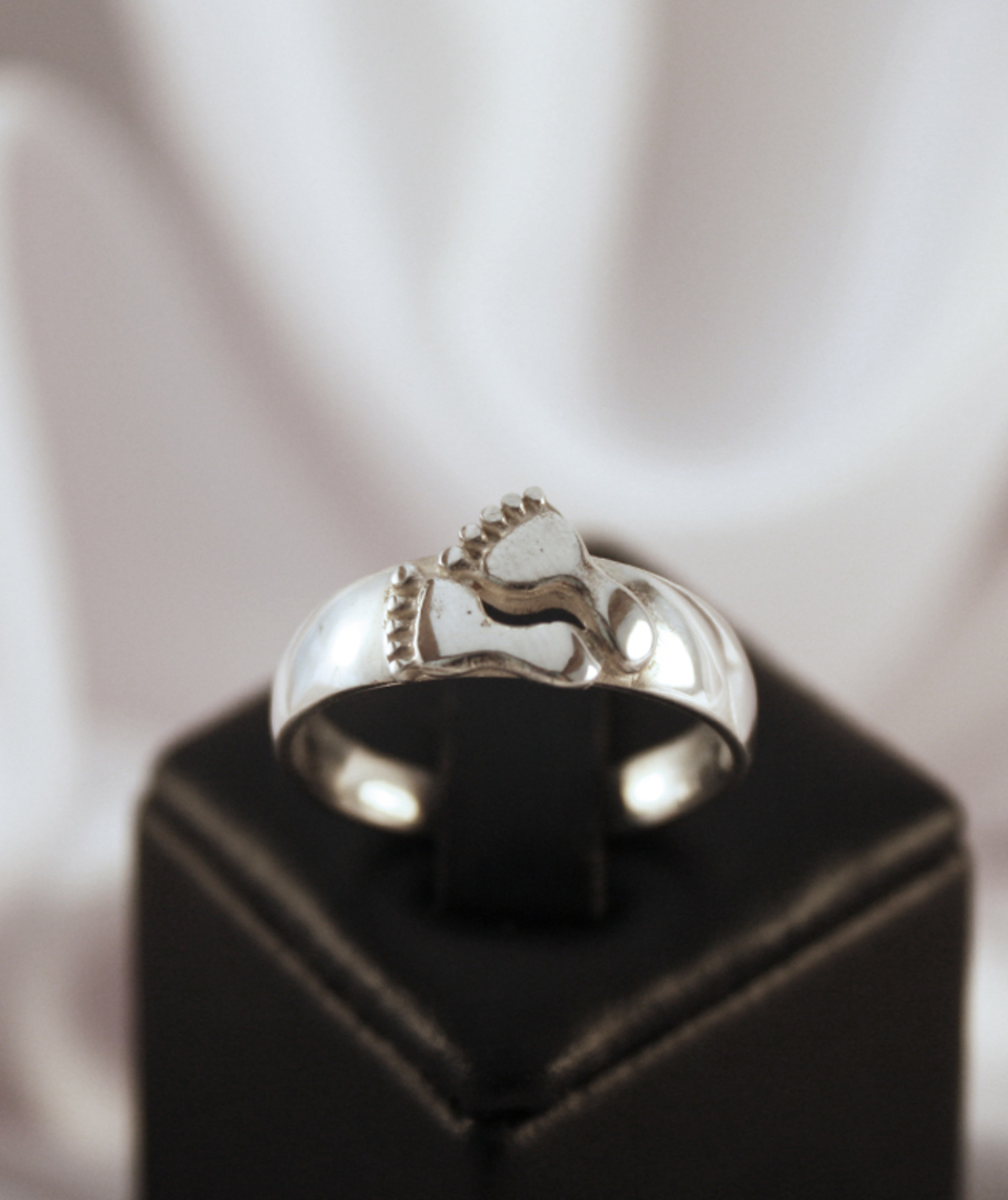 Sterling Silver Ladies Foot Ring image 1